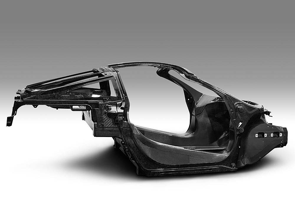 McLaren облегчил конструкцию кузова