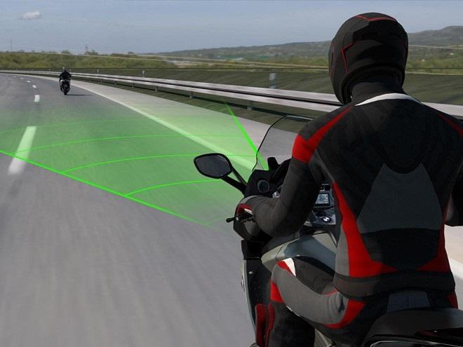 Адаптивный круиз-контроль от BMW Motorrad